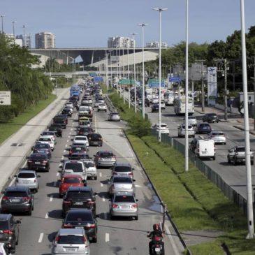 Mudanças na Avenida Ayrton Senna e na Ponte Lúcio Costa vão alterar trânsito na Barra